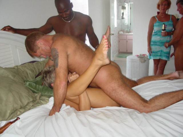 MyHottieWife.Com, Swing Party